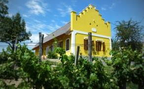 Présház és nyaraló a Balaton-felvidéken