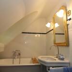 Tetőtéri fürdőszoba